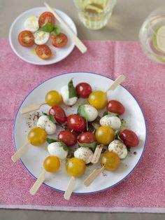 Brochettes oeufs et tomates : Recette de Brochettes oeufs et tomates - Marmiton