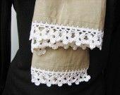 Echarpe ou étole bordée de fleurs crochetées . : Echarpe, foulard, cravate par au-zizile-bazar sur ALittleMarket