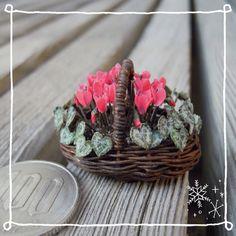 ハンドメイド:ミニチュアの花*シクラメン
