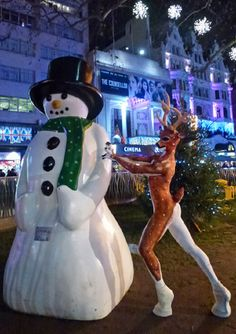 WINTER WONDERLAND THEMED ENTERTAINMENT - REINDEER MAN ACT CHRISTMAS PARTY ENTERTAINMENT