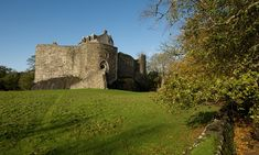 Admire the mighty MacDougall stronghold built on a huge rock above the Firth of Lorn, in later years a royal castle.