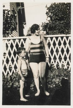 https://flic.kr/p/EwkUSK | Mother and son in swim suits