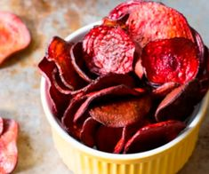 The Best Oven Baked Beet Chips Recipe on ASpicyPerspective. purple Ravens chips for game day! Whole Food Recipes, Snack Recipes, Cooking Recipes, Vegan Beet Recipes, Recipes For Beets, Amish Recipes, Dutch Recipes, Healthy Recipes, Sausage Recipes