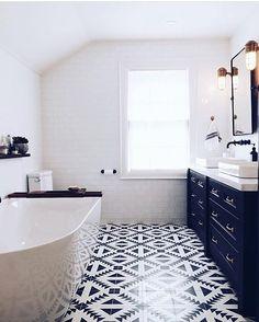 Photo by Bathrooms of Instagram (@bathrooms_of_insta) | Clipboards
