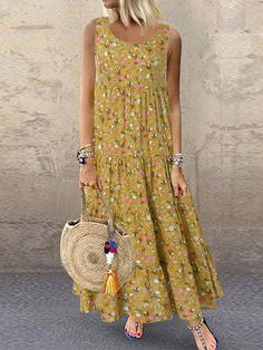 Cheap best O-NEWE Bohemian Floral Print Sleeveless Plus Size Maxi Dress on Newchic, there is always a plus size print dresse suits you! Floral Print Maxi Dress, Boho Dress, Plus Size Maxi Dresses, Summer Dresses, Casual Dresses, Style Casual, Casual Styles, Vestidos Vintage, Types Of Sleeves