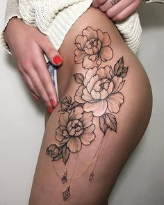 There are several explanations for why girls love tattoos. These tattoos will also signify that you're mindful of the newest trend, particularly in th. Flower Hip Tattoos, Hip Thigh Tattoos, Floral Thigh Tattoos, Hip Tattoos Women, Trendy Tattoos, Sexy Tattoos, Body Art Tattoos, Girl Tattoos, Small Tattoos