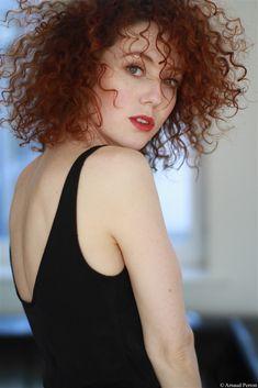 Blandine BELLAVOIR- Fiche Artiste - Artiste interprète - AgencesArtistiques.com : la plateforme des agences artistiques