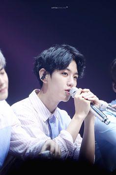 Baekhyun - 160724 Exoplanet - The EXO'rDium in Seoul Credit: Be be your love. Baekhyun, Park Chanyeol, Korean Shows, Xiuchen, Ko Ko Bop, Kim Junmyeon, Exo Members, Kpop, 2ne1