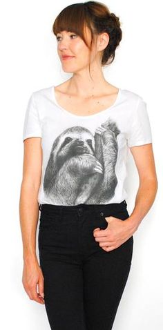 sloth tee for Christina lmao Dress Painting, Funky Fashion, What To Wear, Style Me, Personal Style, Autumn Fashion, Vintage Outfits, Style Inspiration, Fashion Outfits