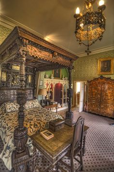 I visited Sudeley Castle near Winchcombe, Gloucestershire, England on July 3. We had a lovely tea with Lady Ashcombe and her daughter-in-law Lily. We also had a great tour of the house, including this peek inside one of the sumptuous bedrooms. — at Sudeley Castle. (Wrote a pinner) ...I'd love to visit England & all her rich history....one day I will