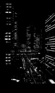 Black Aesthetic Wallpaper, Night Aesthetic, Black And White Aesthetic, Aesthetic Colors, Aesthetic Iphone Wallpaper, Aesthetic Pictures, Aesthetic Wallpapers, Black And White Picture Wall, Black And White Pictures