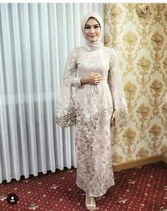 Inspired by Tesettür Şalvar Modelleri 2020 Hijab Prom Dress, Dress Brukat, Hijab Gown, Kebaya Hijab, Muslimah Wedding Dress, Hijab Evening Dress, Hijab Style Dress, Kebaya Dress, Dress Pesta