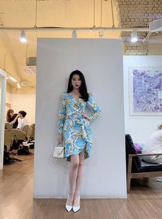 Hotel Del Luna, IU as Jang ManWol, Yeo JinGoo as Gun ChanSeong. Beutiful outfits both of them. Luna Fashion, Kpop Fashion, Korean Fashion, Girl Fashion, Fashion Show, Fashion Outfits, Ulzzang Fashion, Style Fashion, Kpop Outfits