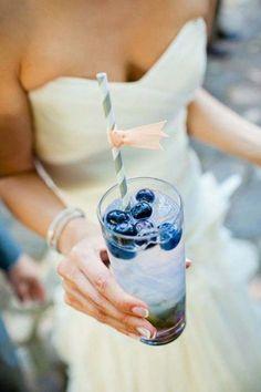 'Something Blue' signature cocktail// Blue Drink via Stylemepretty.com