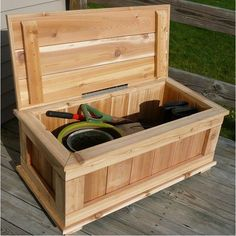 Incroyable Infinite Cedar Premium Quality 40 In. Cedar 20 Gallon Storage Bench    BENCH40X21X17