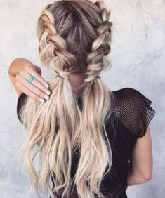 Long Hairstyle Ideas For Christmas 71