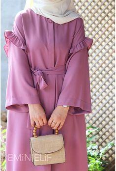 Muslim Women Fashion, Islamic Fashion, Street Hijab Fashion, Abaya Fashion, Fashion Drawing Dresses, Fashion Dresses, Modele Hijab, Mode Abaya, Sleeves Designs For Dresses