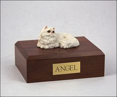 Affordable and personalized pet urns to choose from. Beautiful customized pet urns for your beloved. We have dog urns, cat urns, bunny rabbit urns, horse urns, burial markers and cremation jewelry urns. Pet Cremation Urns, Pet Bag, Cats Musical, Cat Fleas, Pet Urns, Purebred Dogs, Cat Memorial, Cat Accessories, Flea And Tick