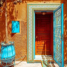 Morocco by Toon Robeyns  #RUHcollective #Inspo #Morocco #ColorsoftheMuslimWorld  #instadaily #instagood #taveling #photography #nature #luxury #lifestyle #nothingisordinary #summervibe #Islam #sun #gotravel #architecture