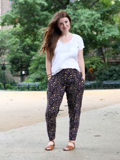 Love these woven trousers from True Bias Hudson pant pattern!