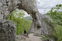 Történetek képekkel: Vaskapu-szikla Cool Places To Visit, Hungary, The Good Place, Arch, Country, Nature, Plants, Trips, Landscapes
