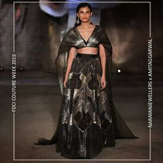 """Narayan Jewellers delightfully launched the new bridal collection in association with ace Designer Amit Aggarwal for """"Lumen"""" Couture 2019 at fdciofficial. Indian Bridal Couture, Desi Wear, Engagement Outfits, Couture Collection, Bridal Collection, Lakme Fashion Week, Indian Outfits, Indian Clothes, Couture Week"""