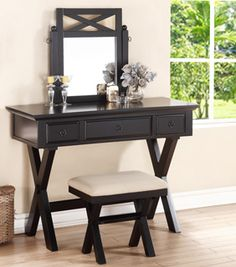 How to Choose a Makeup Vanity Table #makeupvanity