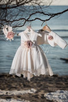 Girls Dresses, Flower Girl Dresses, Baby Dresses, White Baby Dress, Baby Girl Baptism, Kids Outfits, Kids Fashion, Wedding Dresses, Babies Clothes
