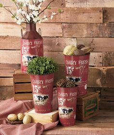Rustic Milk Can Decor lets you enjoy the warm style of the past with storage and display convenience for the present. With an artfully distressed, vintage-style