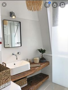 Raw wood and a bowl of white foil for this very small bathroom More from my Small White Bathroom Vanity Marble Top de bain blanche – vanity unit white interior design. Master Bathroom Vanity, Wood Bathroom, White Bathroom, Bathroom Ideas, Wood Vanity, Vanity Decor, Mini Bad, Very Small Bathroom, Raw Wood
