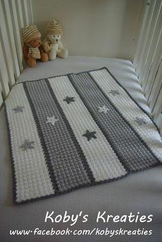 Mijn variatie op de steek-voor-steek babycape. Gehaakt MaxiCosi dekentje met sterren. #Crochet Koby's Kreaties. www.facebook.com/kobyskreaties