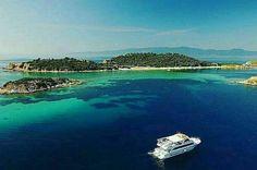 Ammouliani island, Chalkidiki, Greece Places In Greece, Beautiful Places, Amazing Places, Thessaloniki, Macedonia, Greek Islands, Merida, Homeland, The Good Place