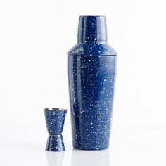 This campsite ready cocktail set features classic blue and white speckled enamel. Perfect for mixing up an evening cocktail by the fire! Shaker holds 26oz.