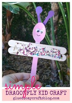 Turn a simple wooden craft spoon into a dragonfly with ease!!!  Find more inexpensive kid craft ideas on Glued To My Crafts!