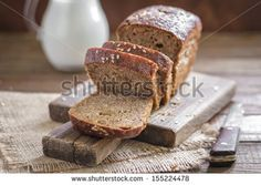 Try our delicious Traditional Irish Brown Bread recipe as part of your weight loss diet plan. Join your nearest Unislim class for more recipes, advice and support! Foods That Contain Gluten, Foods With Gluten, Gluten Free Diet, Gluten Free Recipes, Brown Bread Recipe, Tasty Bread Recipe, Healthy Bread Recipes, Irish Brown Bread, Irish Bread