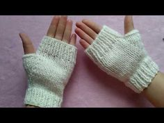 Knitting loom gloves fingerless mittens ideas for 2019 Knitting Patterns Free Dog, Lace Knitting, Knitting Stitches, Knitting Designs, Fingerless Mittens, Knit Mittens, Prayer Shawl Patterns, Creation Couture, How To Purl Knit