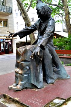 Statue of Franz (Ferenc) Liszt outside the music conservatory in Budapest, Hungary. Sculpture Metal, Modern Sculpture, Statues, Capital Of Hungary, Budapest Travel, Central And Eastern Europe, Heart Of Europe, European Tour, Art Music