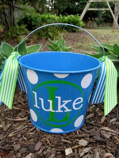 Easter bucket- doing this next year! - Could do a Halloween Bucket too in different colors!