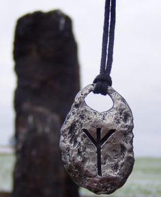 Blog sobre bruxaria natural e a simplicidade de fazer magia.