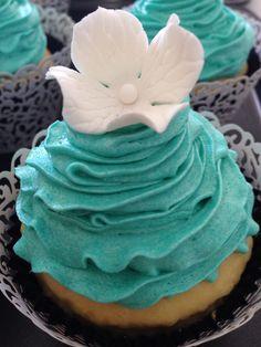 Pretty flower Tiffany blue engagement cupcake
