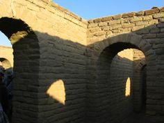 Ur, Mesopotamia (Irak); detalle de arcos y paredes de un edificio