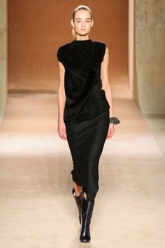 A look from Victoria Beckham's fall 2015 collection. Photo: Imaxtree