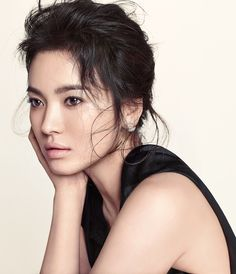 Song Hye Kyo is one of the most beautiful South Korean women and a very talented actress. Song Hye Kyo, Korean Beauty, Asian Beauty, Asian Woman, Asian Girl, South Korean Women, Portrait, Korean Actresses, Korean Celebrities