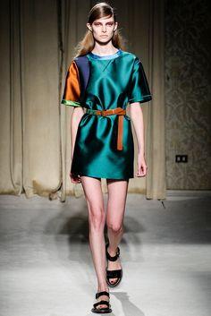 Aquilano.Rimondi Spring 2014 Ready-to-Wear Fashion Show - Auguste Abeliunaite