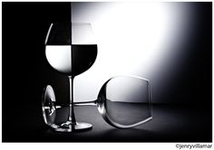 Taking picture of translucent objects is great fun. We get splendid outputs with proper backlight. Here are some good examples of Glass Photography. Black And White Aesthetic, Black And White Design, Black N White, White Wine, Glass Photography, Abstract Photography, Photography Tips, Wine Subscription, Digital Photography School