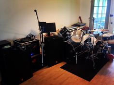 Something we loved from Instagram! #music #production #drums #bass #studio #dj #musician #raspberrypi #computers #equipment #toolsofthetrade #onthemic #yamaha #ibanez #americanaudio #akai #tascam #zoom #line6 #behringer by peacesum Check us out http://bit.ly/1KyLetq