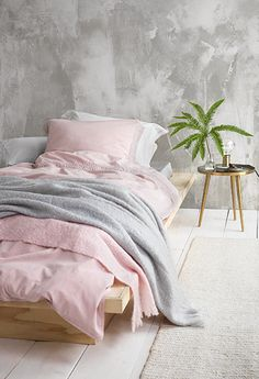 Girly bedroom with an interesting wall pattern in grey. I love that tiny touch of pink, it is lovely, Ikea Bedroom, Home Bedroom, Bedrooms, Bedroom Decor, Bedroom Ideas, Master Bedroom Design, Interior Design Living Room, Bedroom Storage Inspiration, Home Wall Colour