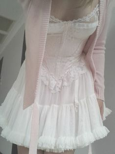 The corset, petticoat, baby pink sweater, it just so lovely Pretty Outfits, Pretty Dresses, Cute Outfits, Ropa Color Pastel, Estilo Dandy, Estilo Lolita, Girl Outfits, Fashion Outfits, Princess Outfits