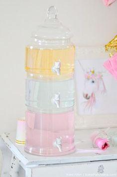 Unicorn tears drink at a unicorn themed birthday party | Kara's Party Ideas