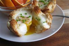 マフィン用の型は、ちょっとお洒落な朝食を作るのにも使えるようです。今回は、マフィン型と卵を使った、朝ご飯アイデアレシピを3つご紹...